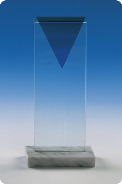 Prostokątny puchar szklany