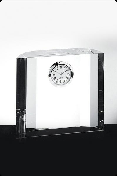 Statuetki szklane z zegarem