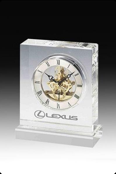 Zegar z widocznym mechanizmem