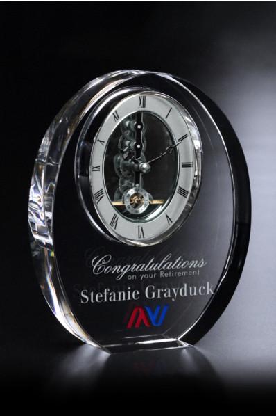 Eliptyczna statuetka szklana z zegarem